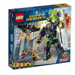LEGO SUPER HEROS L'ATTAQUE EN ARMURE DE #76097***